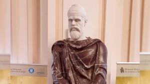 Una dintre statuile de dac din Forul lui Traian, relocată în Giardino di Boboli, Florența