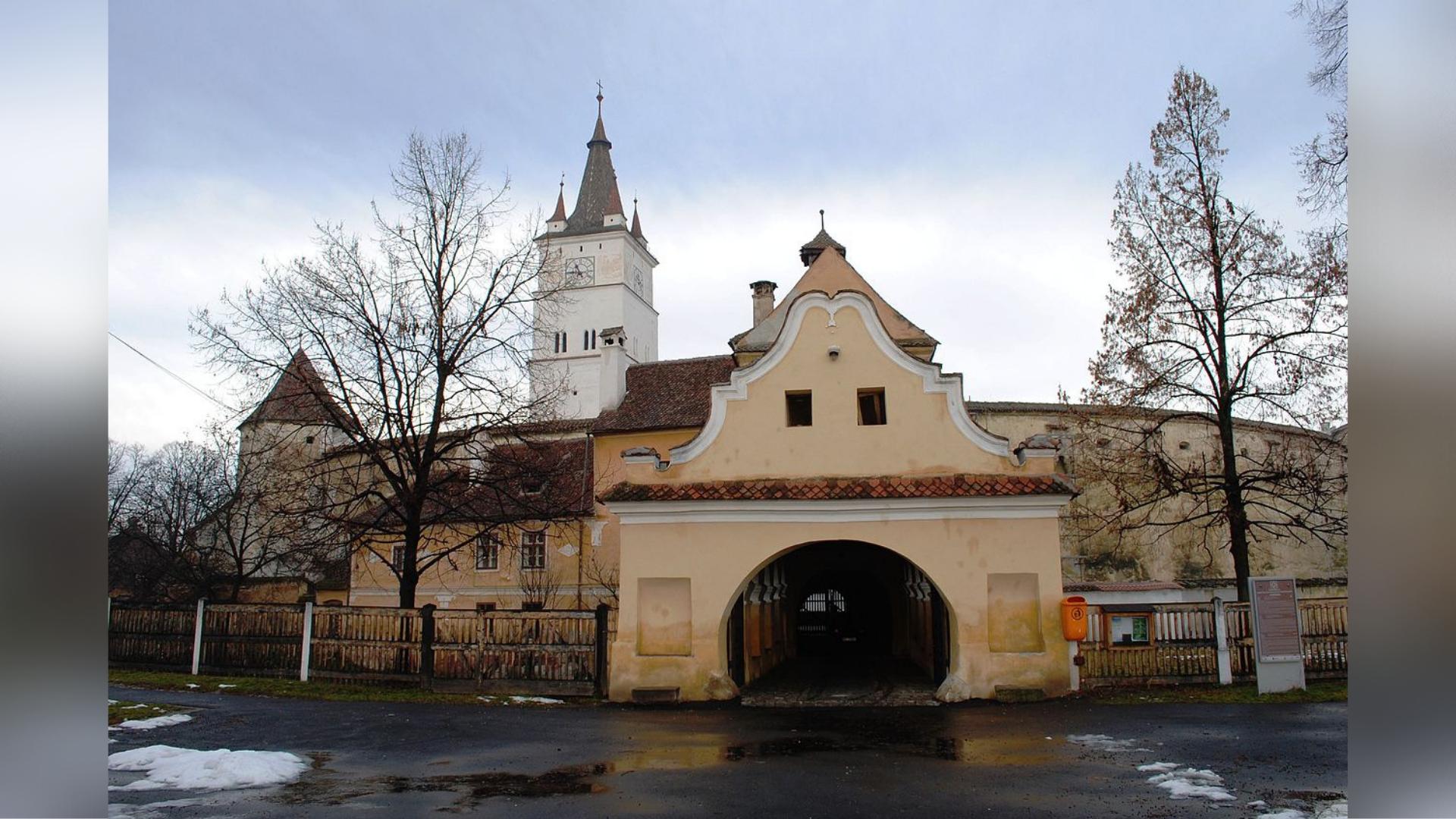 Biserica fortificată din Hărman