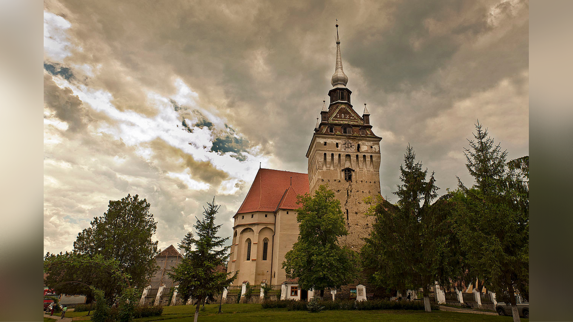 Biserica fortificată din Saschiz