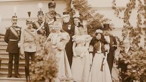 """Imagine de arhivă din cartea """"Mese și meniuri regale"""" de Ștefania Dinu"""