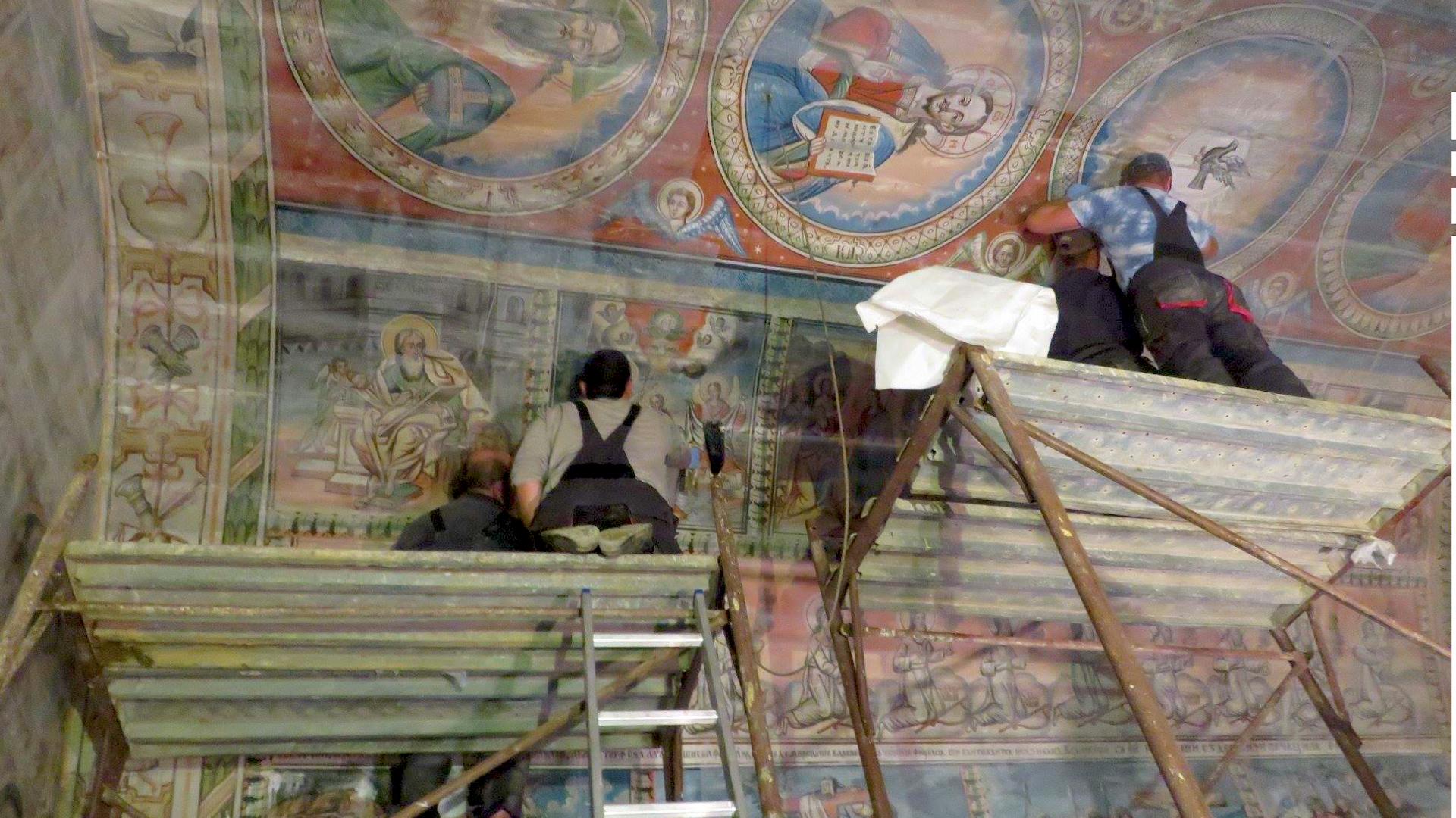 Pictura a fost extrasă de pe pereții bisericii