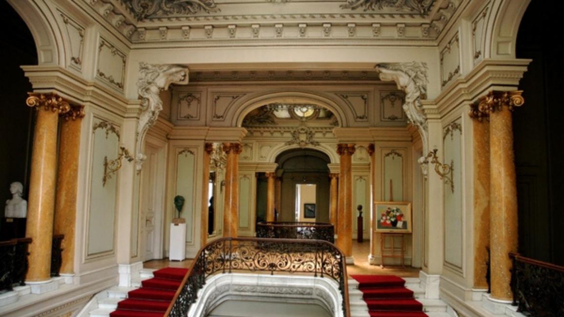 : Palatul a fost donat statului în anul 1936, iar azi adăpostește Muzeul de Artă Craiova