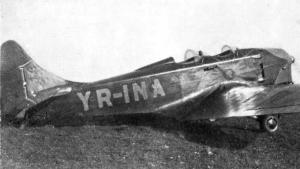 Avionul YR-INA era roșu, cu bot albastru și avea desenat un soare